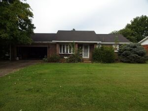 BRICK HOME - NICE LOT - Online Bidding Ends TUE, OCT 27 @ 4:00 PM EDT