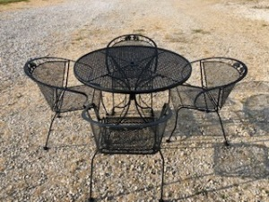 2 Metal lawn tables with 6 chairs