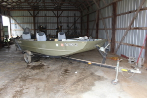 Lowe L 1448 Boat with Johnson 25 motor & trailer