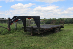 16 ft. Gooseneck trailer with 4 ft. Dove Tail