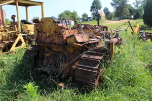 Caterpillar D4 dozer for parts only