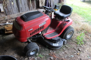 Huskee LT4600 Lawnmower