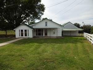 PARCEL 1: HOME at 10 Highway 376, Payneville, KY
