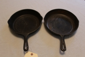 2 cast iron skillets