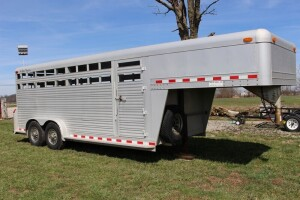 1994 4-Star 24 ft. Gooseneck Aluminum Stock Trailer