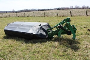9 ft. John Deere 275 Disc Mower
